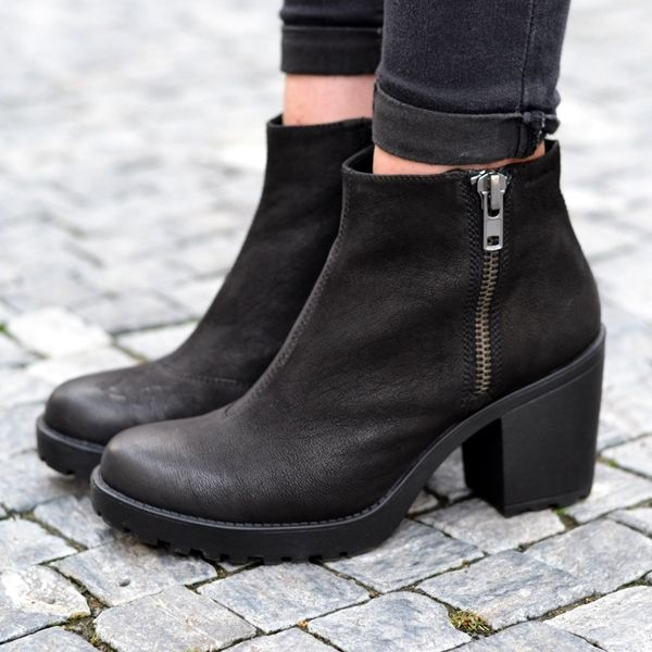 Vagabond Grace Padded Ankle Boots