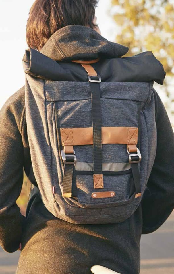 sac dos flap levi 39 s pickture. Black Bedroom Furniture Sets. Home Design Ideas